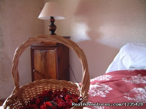 Upstair bedroom - Romantic two bedroomed cottage in Vendee, France