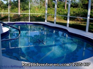 - Great Contemporary Hi Tec Villa on the Gulf Coast
