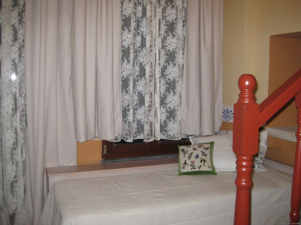 ANEMONI  room | Image #1/10 | Vessa-Chios, Greece | Bed & Breakfasts | Traditional Hotel  IANTHE