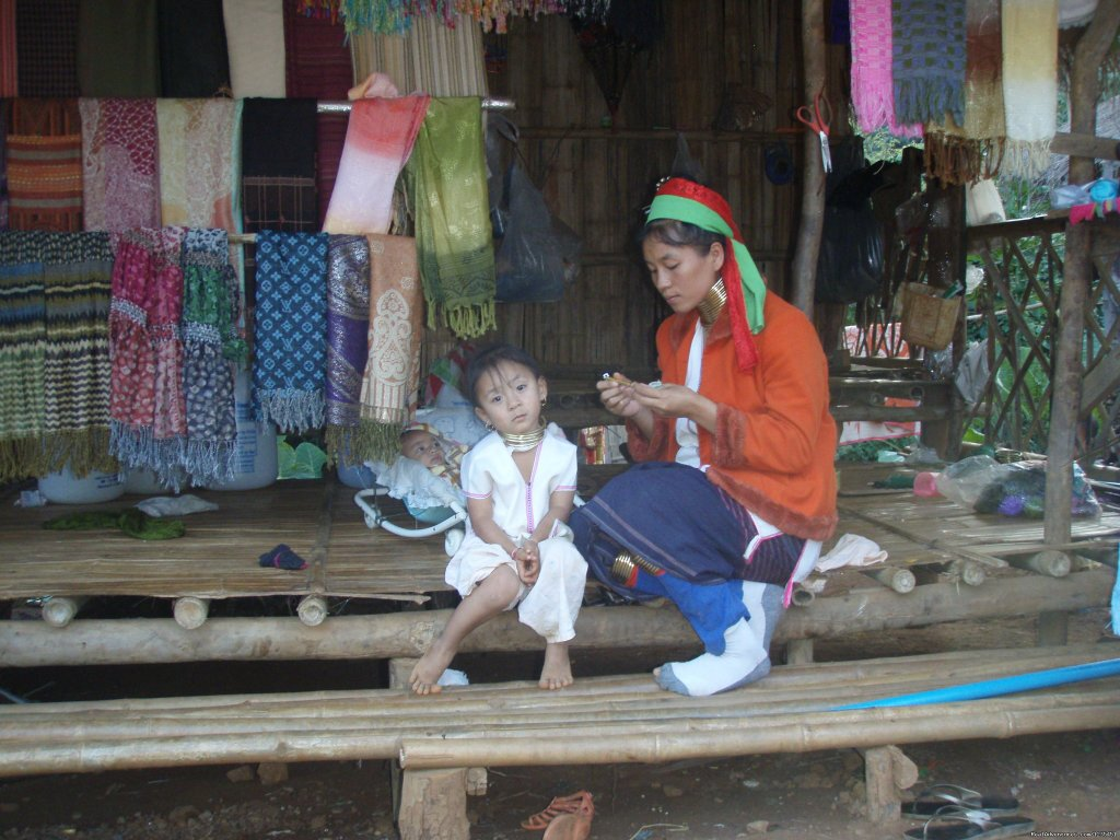 Mother and Child in Long Neck Village | Image #24/26 | THE Rainforest Retreat Experience in Thailand