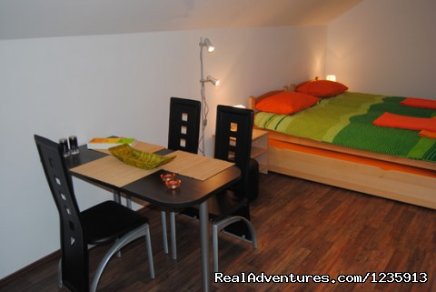 Sit and enjoy - Comfort of an apartment, price of a hostel
