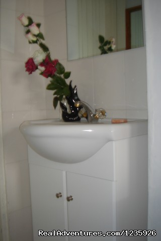 Apartments' Bathroom - Kundayo Serviced Apartments Lodge