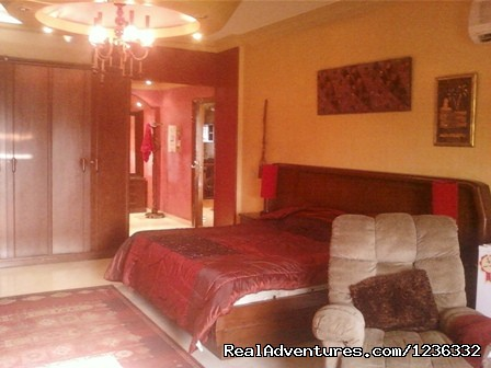 master bedroom with bath & dressing (#3 of 8) - Huge villa for rent furnished overlooking Golf
