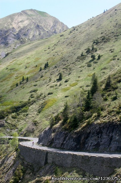 French Pyrenees Bike Tour - Bike Tours in France with In Situ Travel