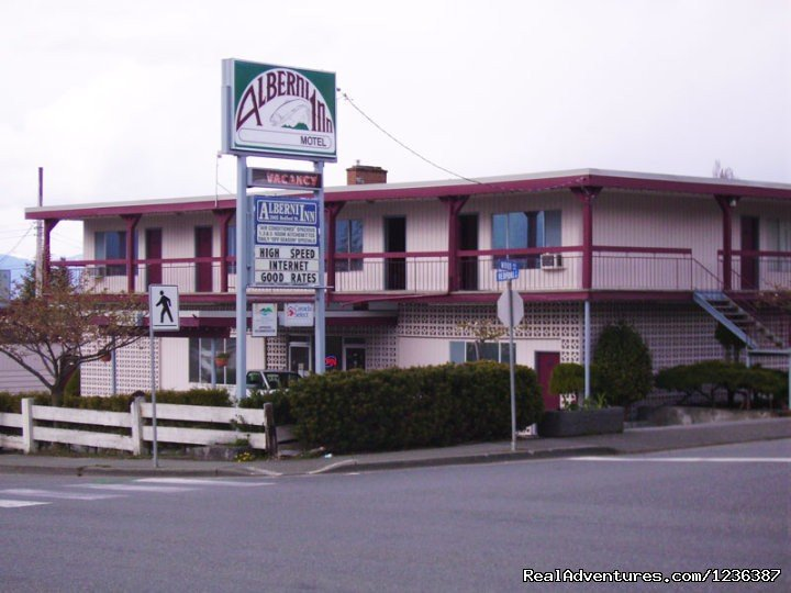 Alberni-inn welcomes you to Port Alberni, located at the head of the Alberni Inlet, the longest inlet on Vancouver Island.  If you are looking for a special get away, salmon fishing or to just explore our many trails, Port Alberni Top Motel has it.
