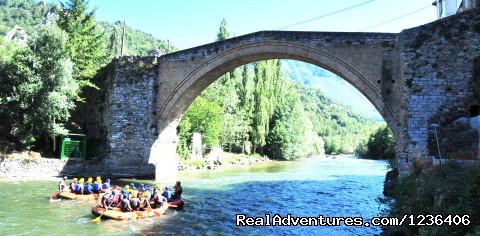 Activities and Romanesque - White Water Rafting in Pyrenees