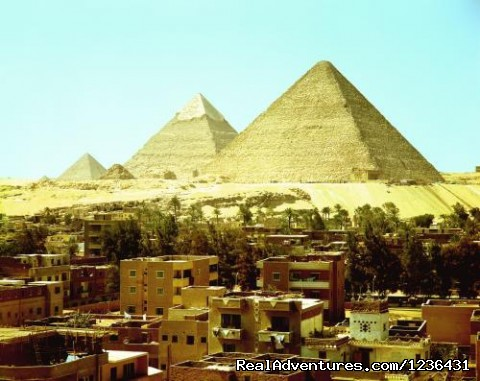 Pyramids Flat: This is the view of the Pyramids from the roof