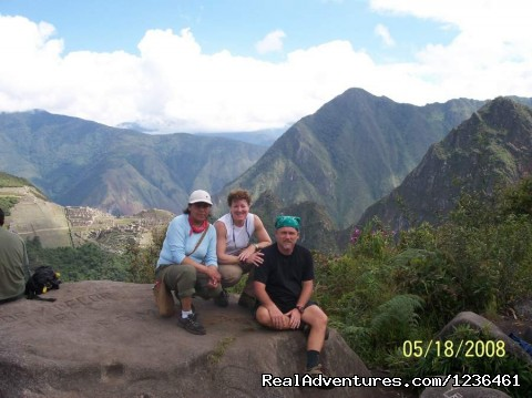 Hiking Inca Trail to Machupicchu