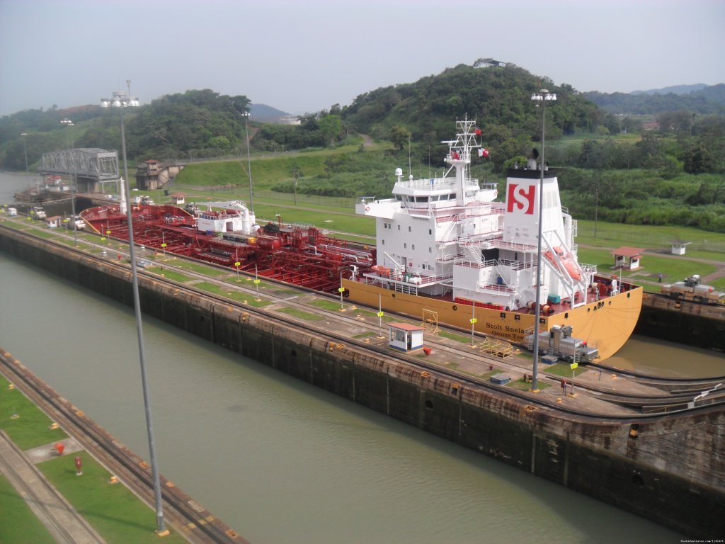 Canal of Panama | Image #14/16 | Costa Rica & Panama Tour  with Marvelus Travel