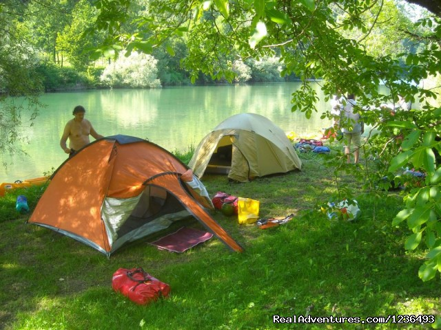 Camping on river bank - Robinson rafting in Croatia