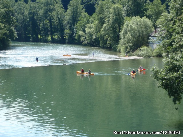 Group river adventure - Robinson rafting in Croatia