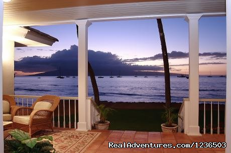 Image #3 of 8 - Lahaina Ocean Front Villa