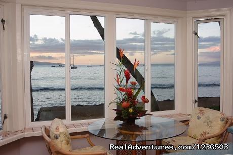 Image #4 of 8 - Lahaina Ocean Front Villa