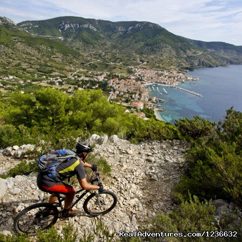 Image #3 of 4 - Mountain biking holidays on island of Vis, Croatia