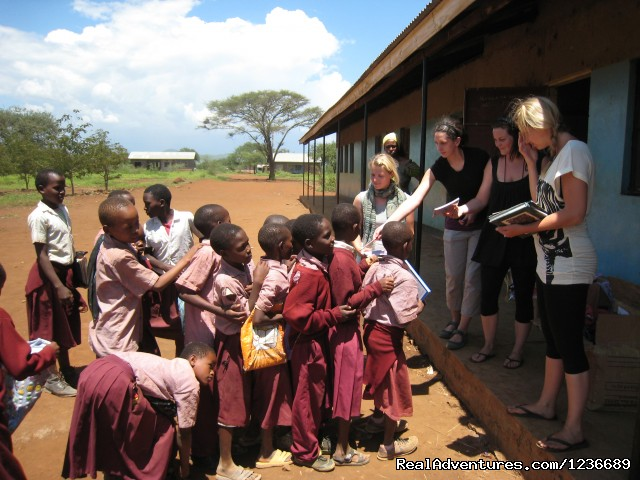 volunteer in Kenya - Volunteering in Tanzania