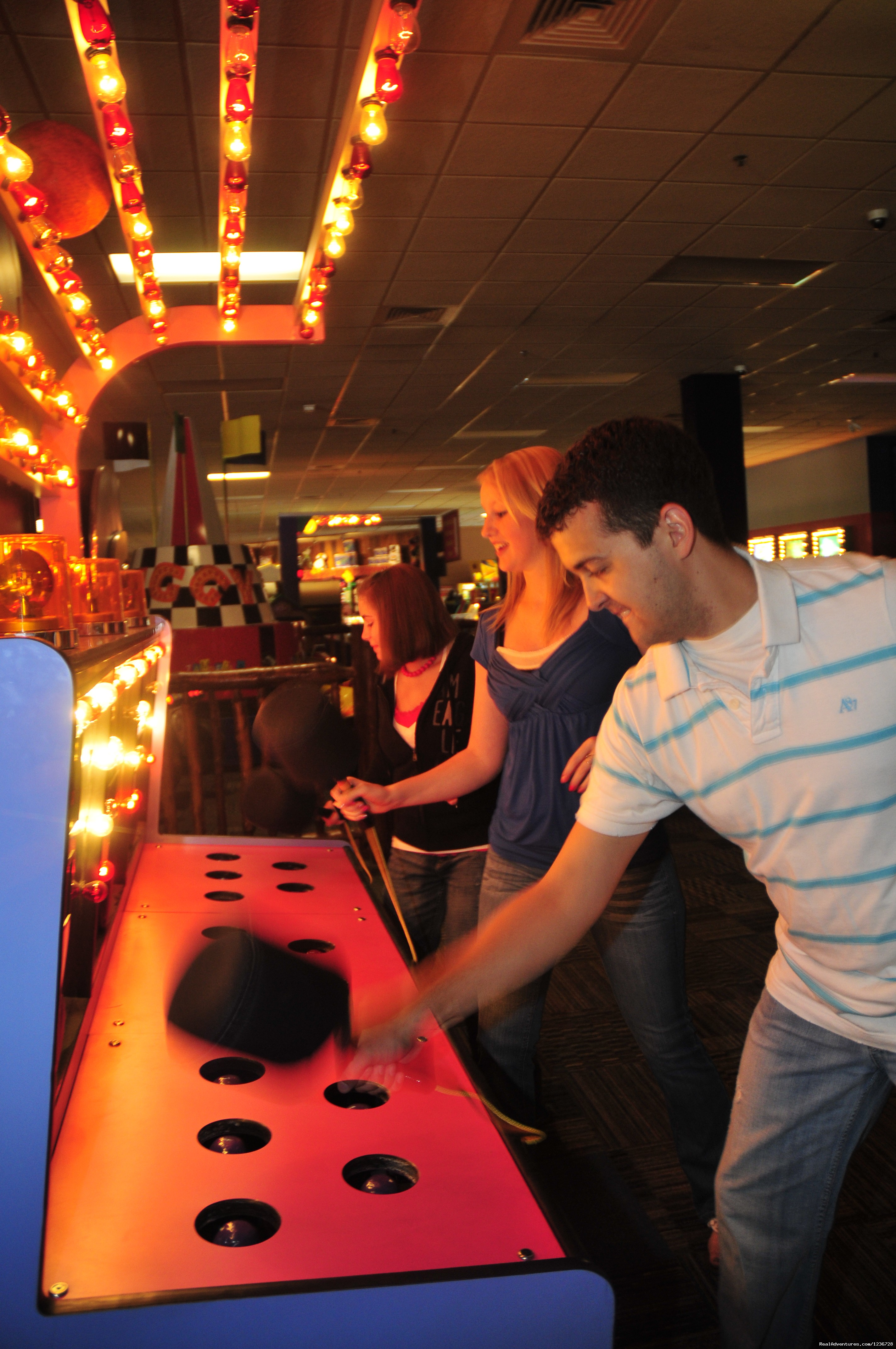 Image #1/7 | Wisconsin Dells, Wisconsin  | Theme Park | Knuckleheads Bowling & Indoor Amusement Park