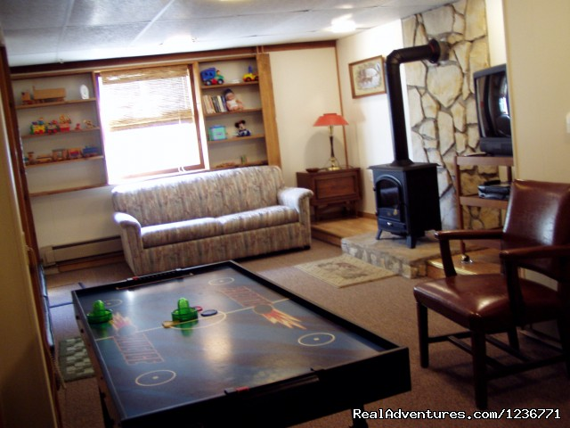 Downstairs Rec Room - Moonglow Vacation Homes on Beautiful Lake Delton
