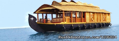 - Kerala Honeymoon Houseboats:Romantic Weekend Getaw