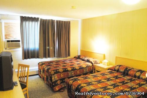 double room (#2 of 5) - Lagana Hotel, Lanigan, Saskatchewan (SK)