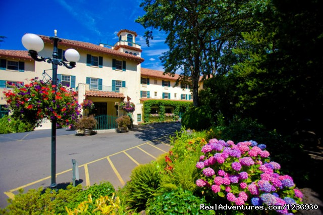 Image #2 of 7 - Columbia Gorge Hotel