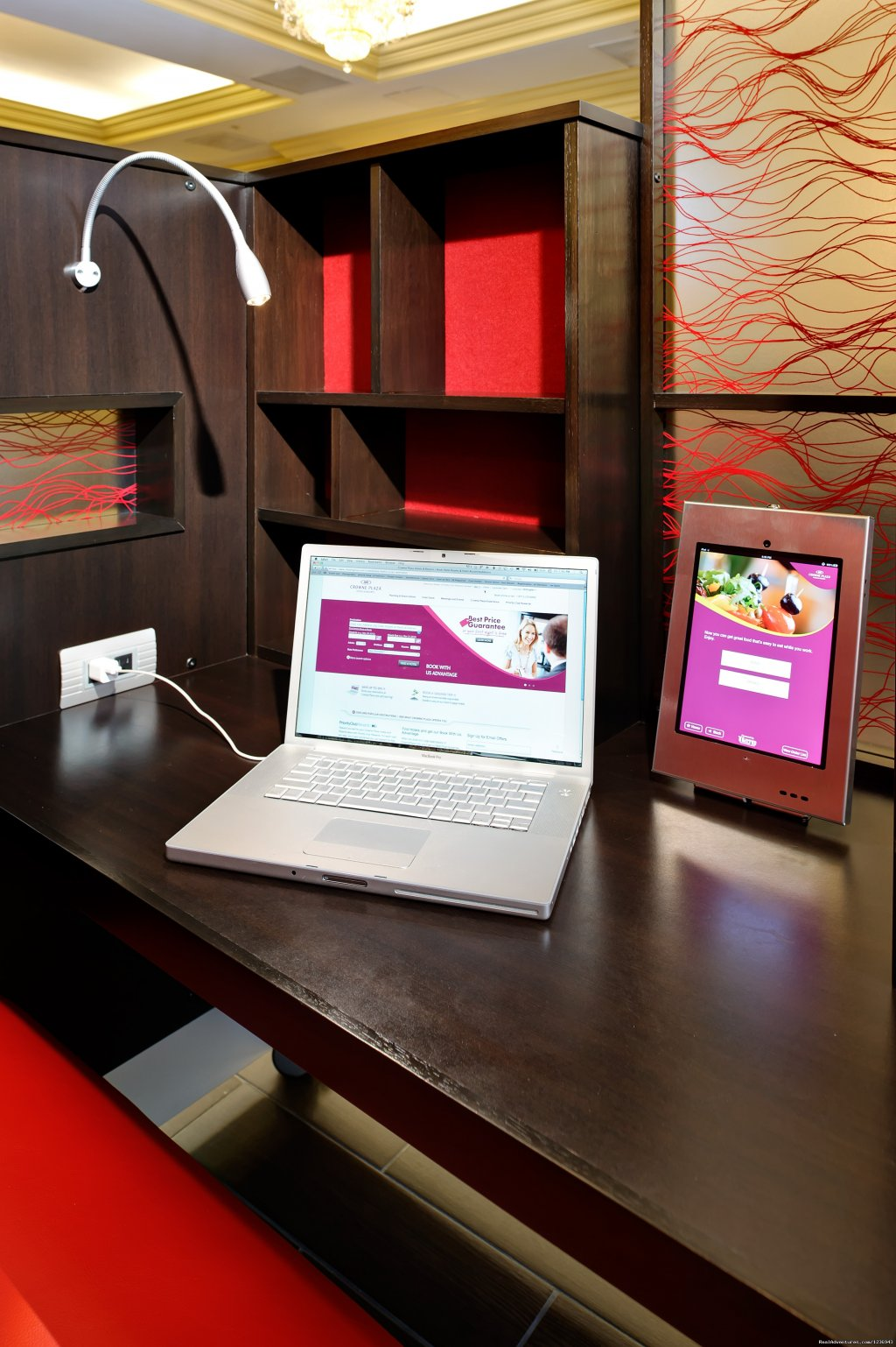Private Work Stations with iPad and Laptop Connectivity
