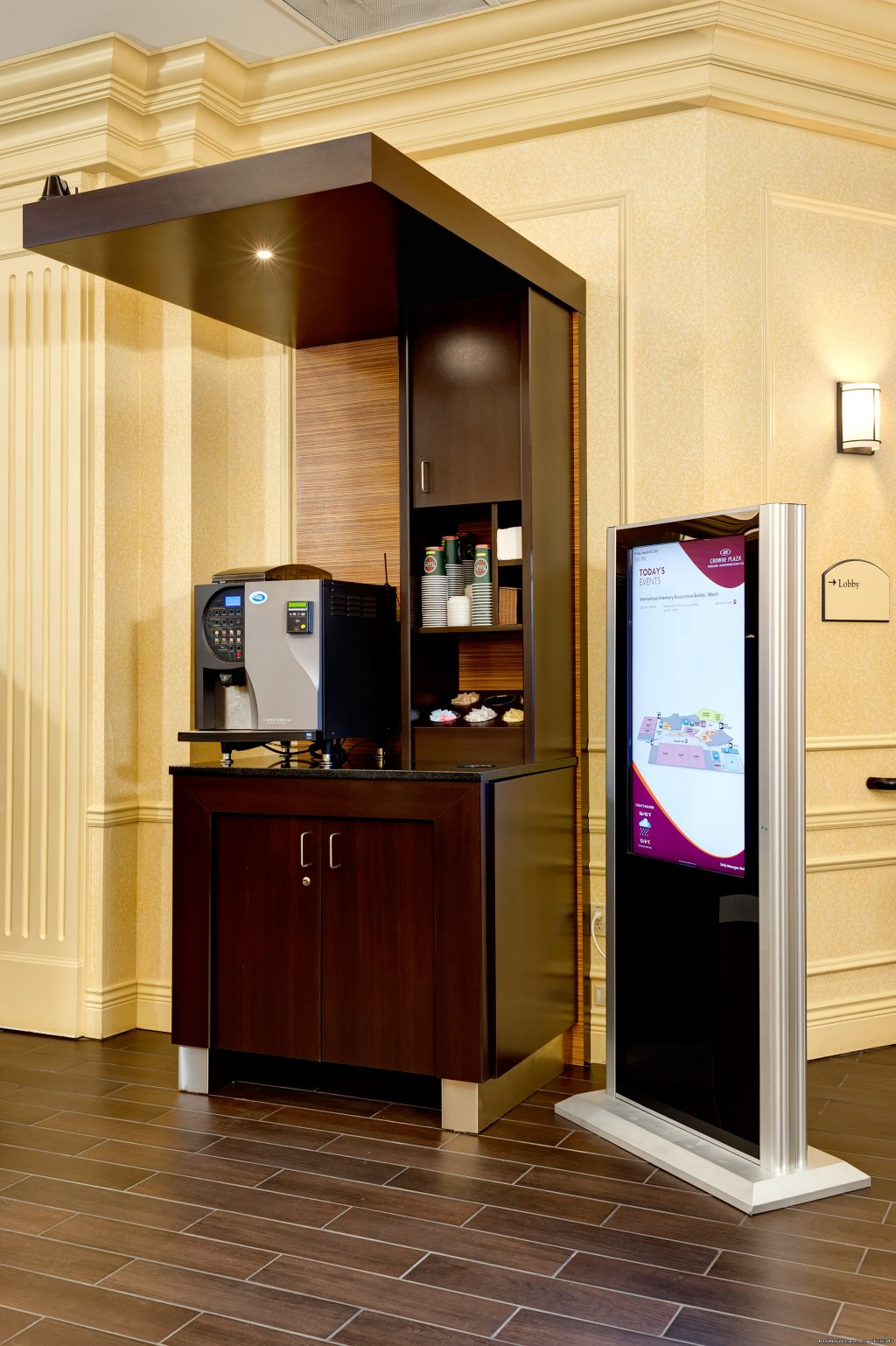 Self-Serve Specialty Coffee Station | Image #8/10 | Your Success Matters at the Crowne Plaza Portland
