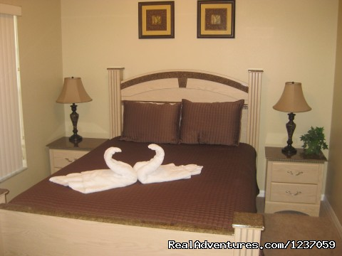 2nd Master Bedroom with adjoining bathroom - Comforts of Home
