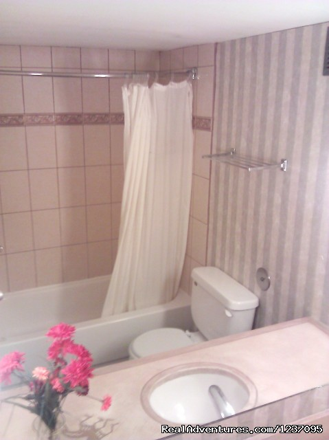 clean Spacious Bathrooms - Executive Inn & Suites of Tucson