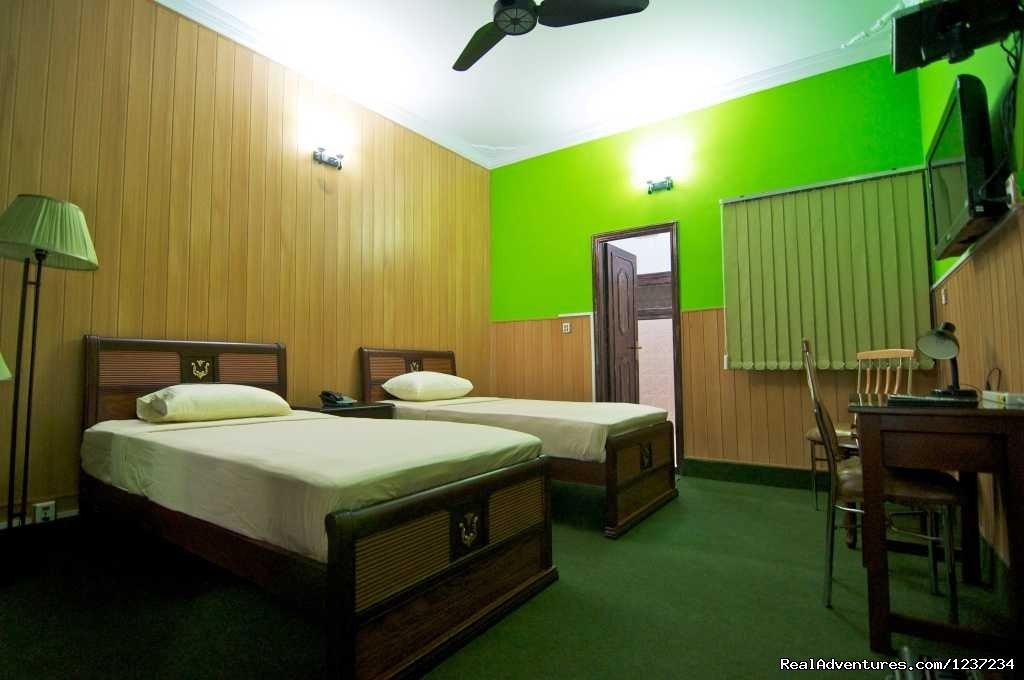 Twin Room view at Rooms alike Hotel Guest House in Islamabad | Image #2/15 | RooMs Islamabad