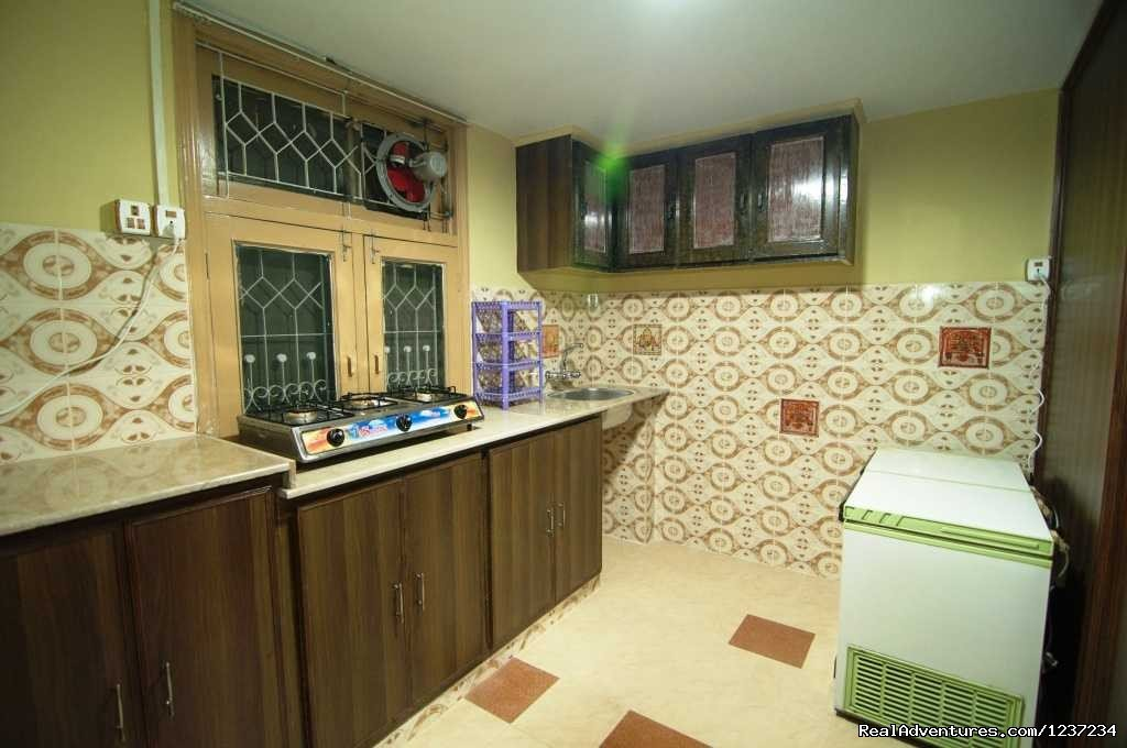 Shared Kitchen at Rooms alike Hotel Guest House in Islamabad | Image #4/15 | RooMs Islamabad