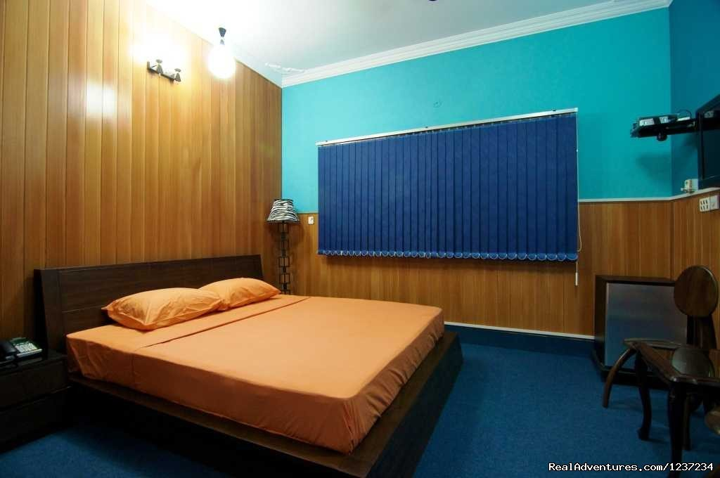 Superior room at Rooms alike Hotel Guest House in Islamabad | Image #7/15 | RooMs Islamabad