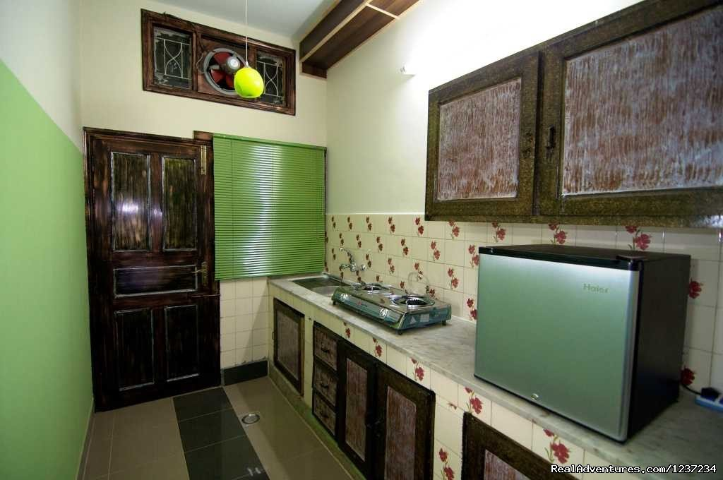 Kitchen inroom at Rooms alike Hotel Guest House in Islamabad | Image #10/15 | RooMs Islamabad