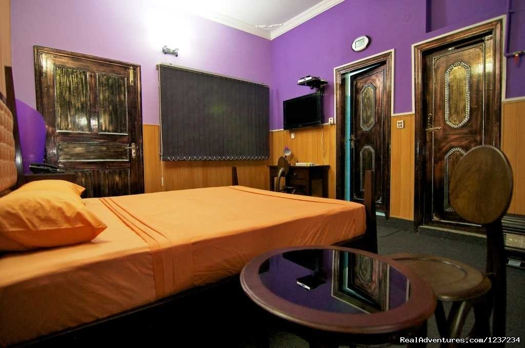 Room w/kitchen at Rooms alike Hotel Guest House in Islamabad | Image #12/15 | RooMs Islamabad
