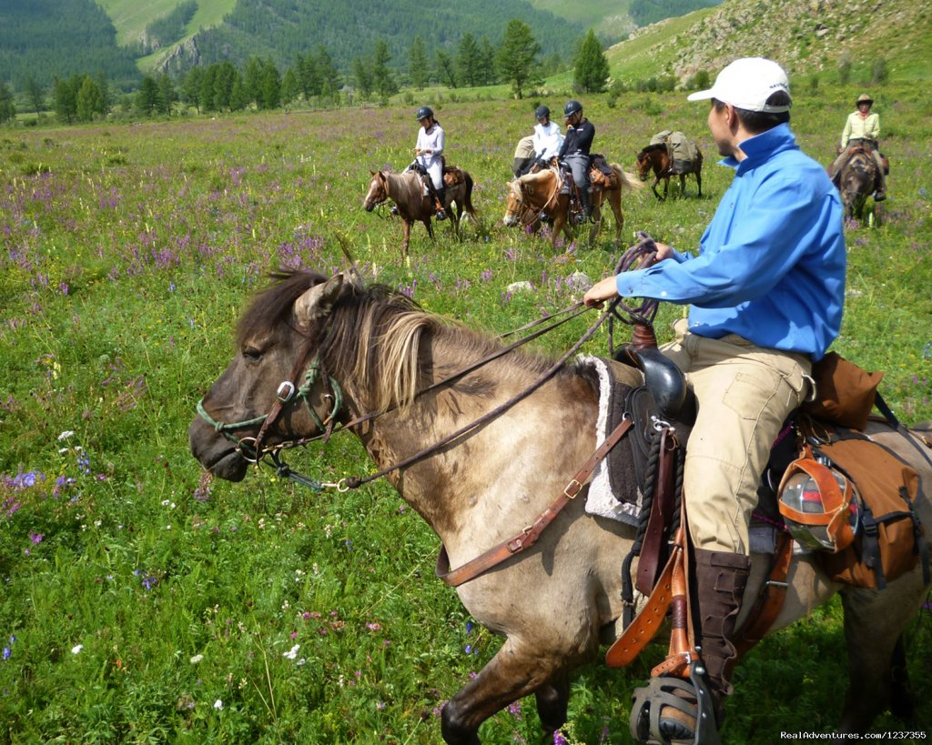 Stone Horse Expeditions & Travel, Riders on the Trail