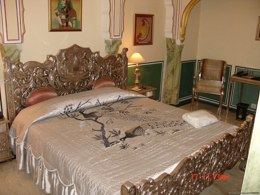 Honeymooner's bed at Hotel The Raj Palace- jaipur | Image #8/15 | Gay Tours to India Nepal & Bhutan