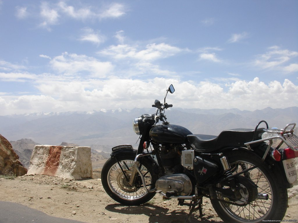 Bullet Motorcycle | Image #11/15 | Gay Tours to India Nepal & Bhutan