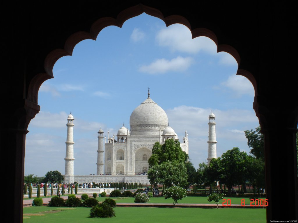 Taj Mahal  | Image #13/15 | Gay Tours to India Nepal & Bhutan