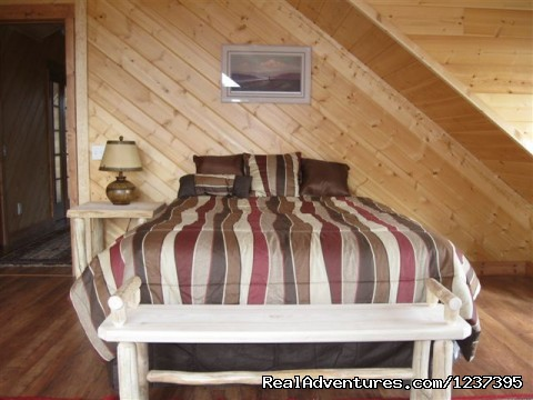 Upstairs Bedroom - Upscale Lodging on the Kenai River, Alaska