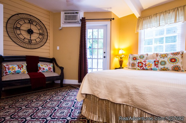 Sunset Room - Old Town Manor