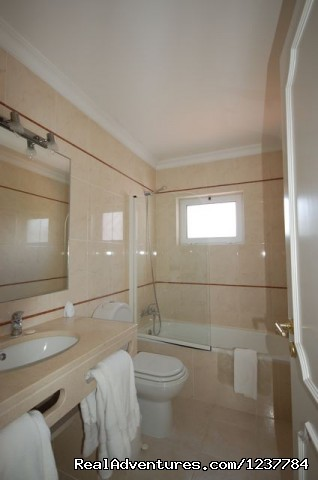 En-suite 1 - 5 Bed Villa in Vilamoura, Portugal