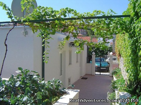 Entrance studio apartments - Dubrovnik Studio Apartments
