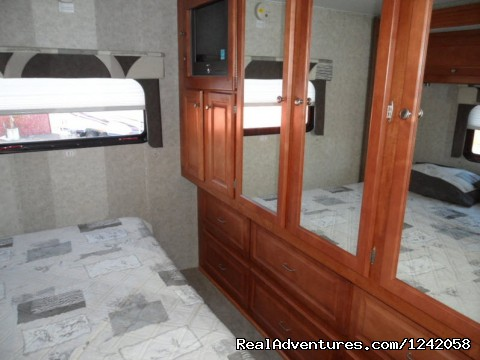Conquest Super-C Motorhome, Bedroom2 - Privately Owned 'CONNIE' 34' Class Super-C RV