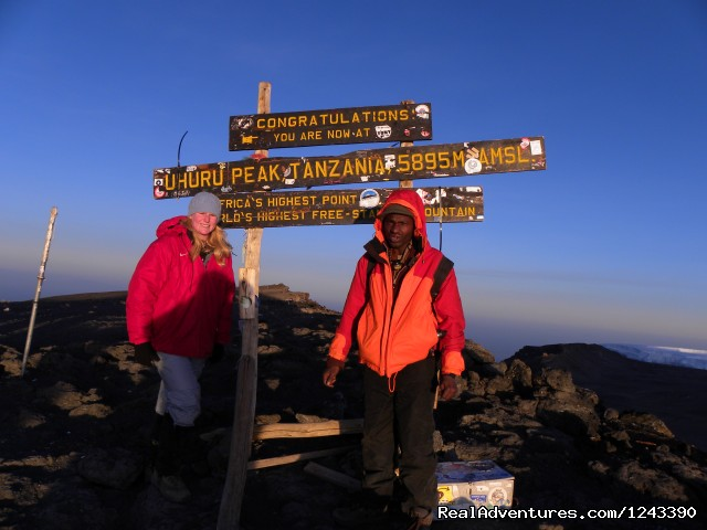 Kilimanjaro climb for 6 Days Machame route: Uhuru Peak (The Top of Africa) 5,896masl