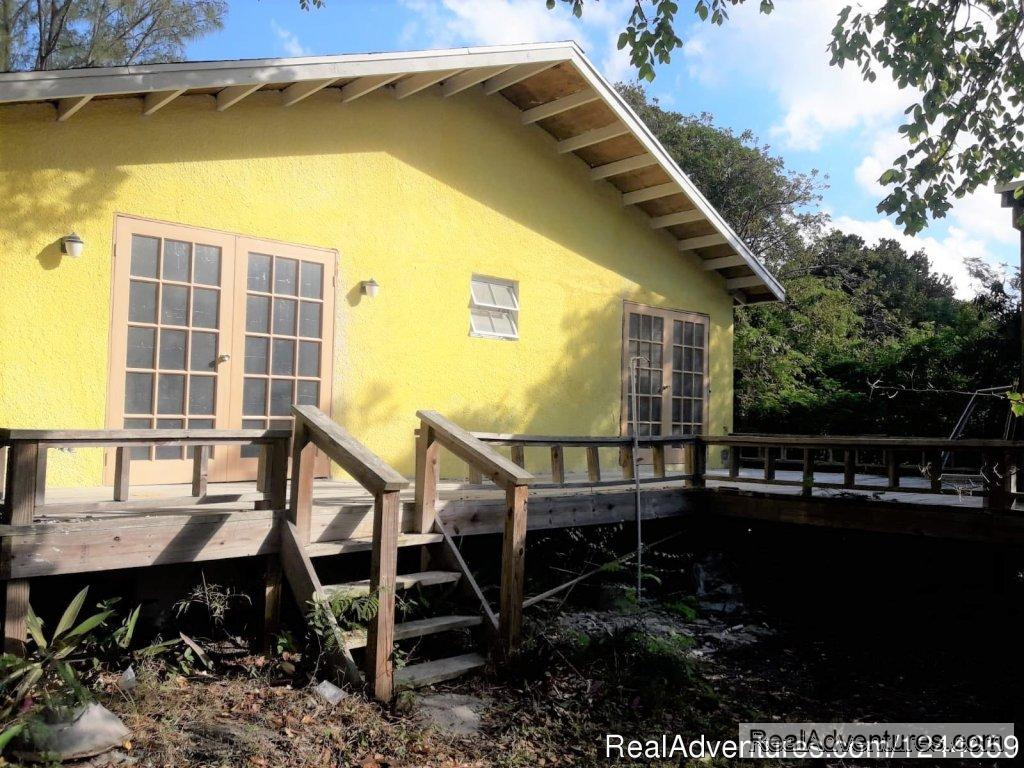 Front towards beach | Image #4/13 | Charming 2Bed/2Bath Cottage On Secluded Pink Sand