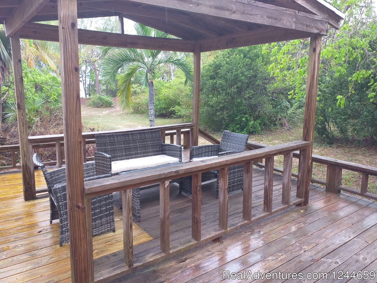 Large Deck with dinining area and gas grill