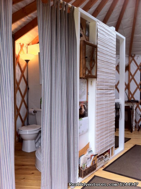 Bathroom - Yurt for Rent- Private Nature Retreat