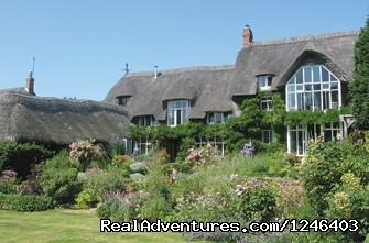 Thatched Cottage Accommodation - Garden Tours of England