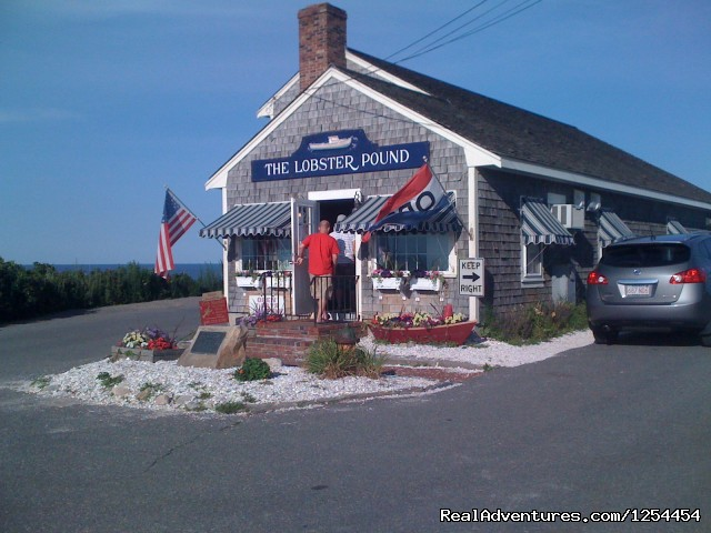 Lobster Pound - Experience New England Charm @ White Swan