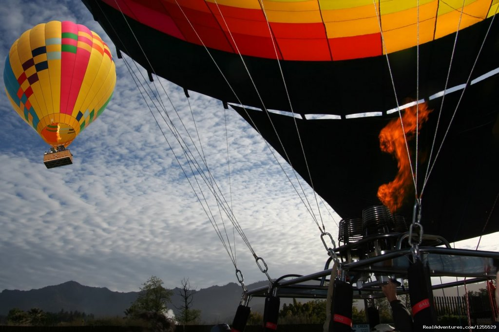 Calistoga Balloons Napa Valley - Inflation & Take Off | Image #10/11 | Calistoga Hot Air Balloons of Napa Valley