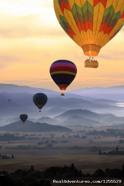 Calistoga Hot Air Balloons of Napa Valley Calistoga, California Ballooning